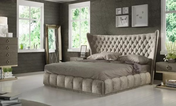Cozy Curved indward bed cream color upper scale with background